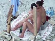 Oralsex am Strand ist gefilmt Voyeur
